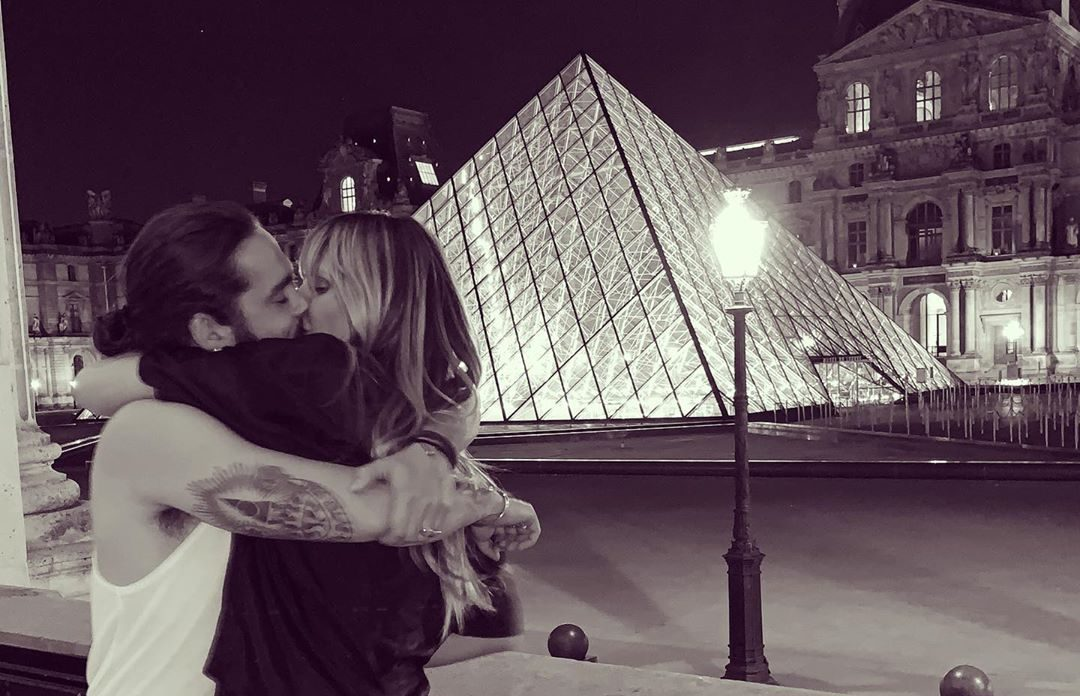 Heidi Klum KISSES 29-Year-Old Fiance in Front of the Louvre Pyramid in PARIS!