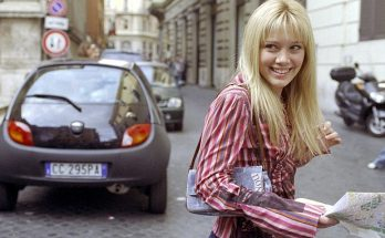 Hilary Duff is EXCITED Over 'Lizzie McGuire' Revival