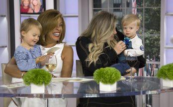 KELLY CLARKSON Talks Motherhood With HODA on 'Today' Show