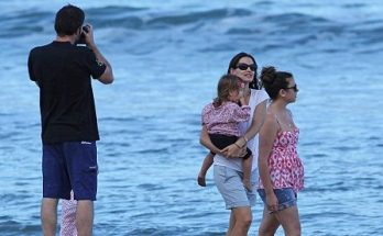 Jennifer Garner FLIES to Hawaii For Easter