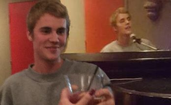 Under the Influence: Justin Bieber Covers THE BEATLES During Bar Performance in Toronto