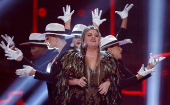 Kelly Clarkson is 'Miss Independent' Again at American Music Awards