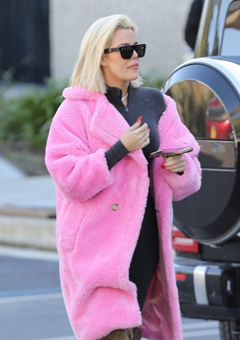 Khloe Kardashian Wears a Hot & Sweaty PINK Coat After Unfollowing Jordyn Woods on Instagram!