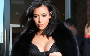 Kim Kardashian Exposes Breasts Amidst Reports Of Being Held at Gunpoint