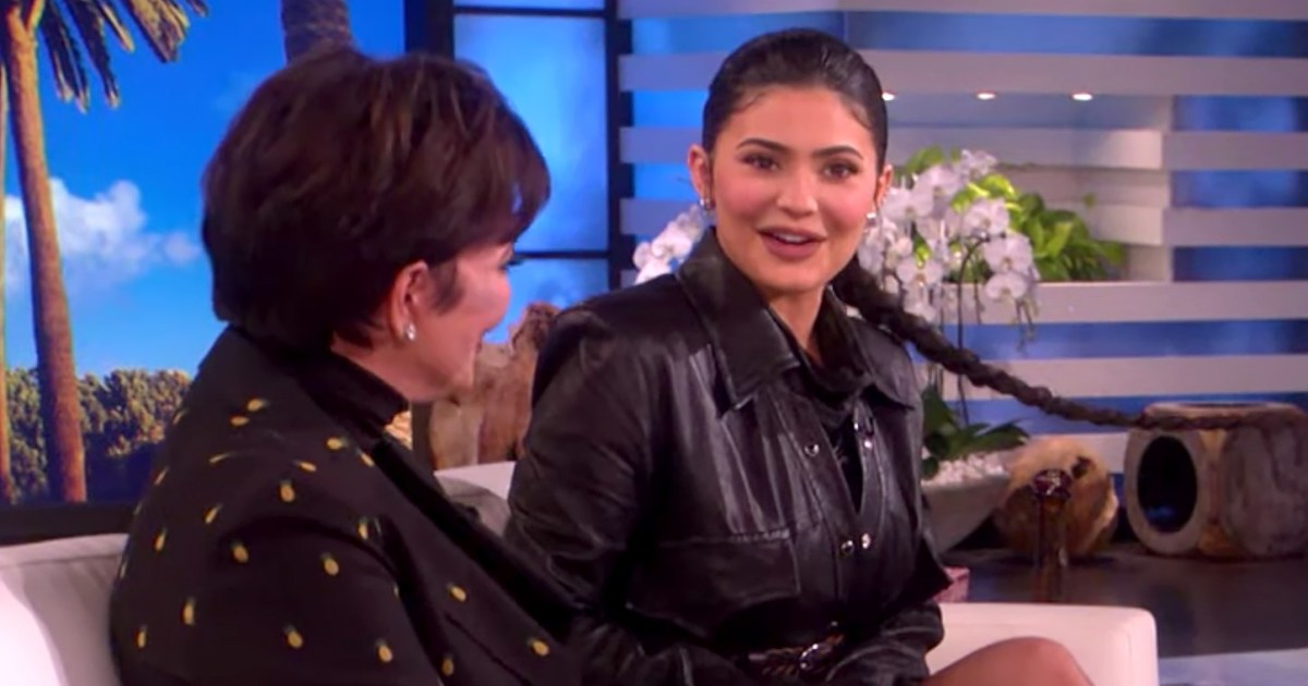 The Kardashians Expect BILLIONAIRE Kylie Jenner to Pay For Their Vacations!