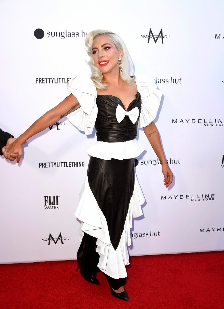 Lady Gaga Gives Her Hairstylist The HAIRSTYLIST OF THE YEAR AWARD!
