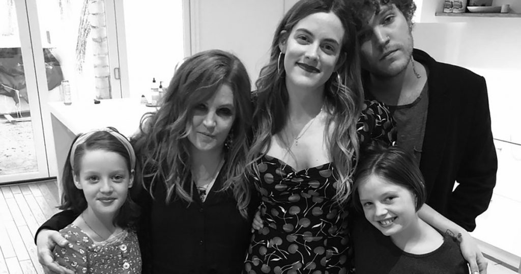 Former Scientologist Lisa Marie-Presley Shares Photo With ALL FOUR Of Her Kids!
