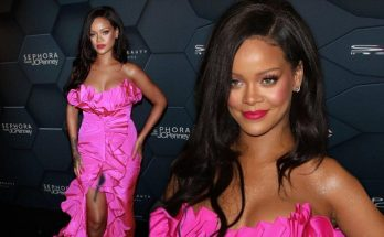 RIHANNA Attends 'Fenty Beauty' Party at Kings Place Mall, Surprises Fans