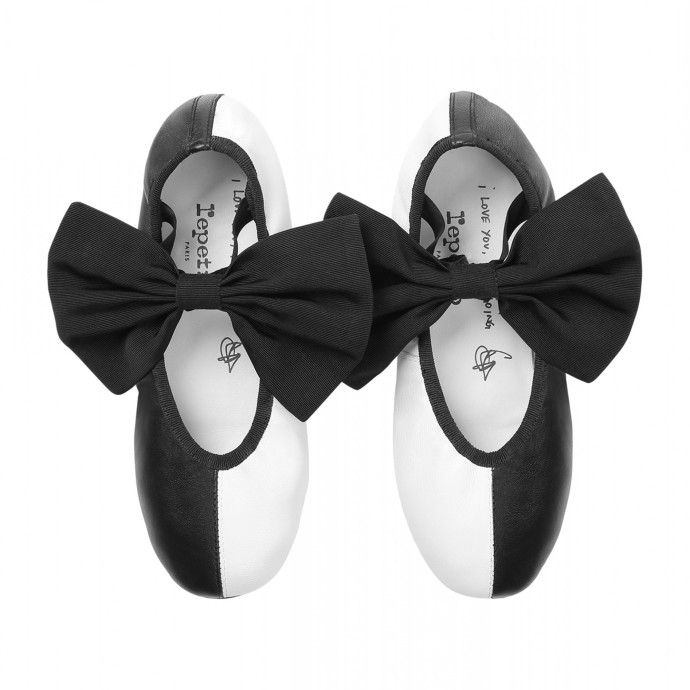 SIA Designs New Line of Shoes Shaped Like Her Hair! image